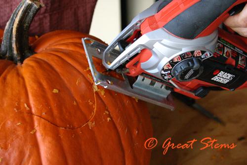 pumpkinjigsaw2009.jpg